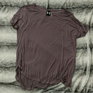 H by Bordeaux tee